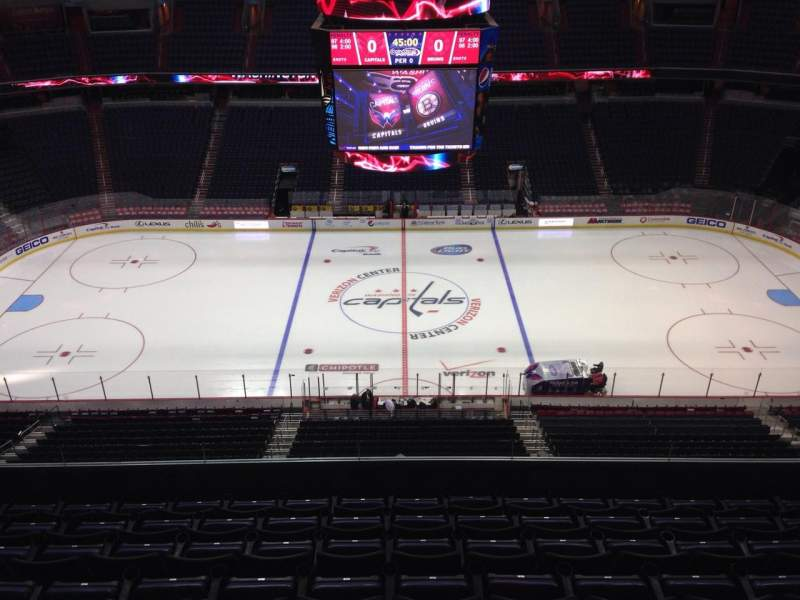 Seating view for Capital One Arena Section 417 Row H Seat 10