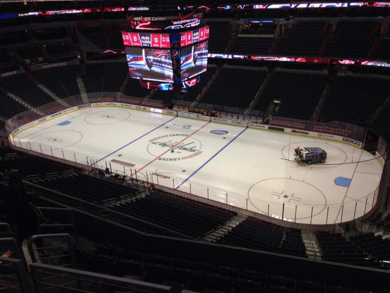 Seating view for Verizon Center Section 420 Row H Seat 10
