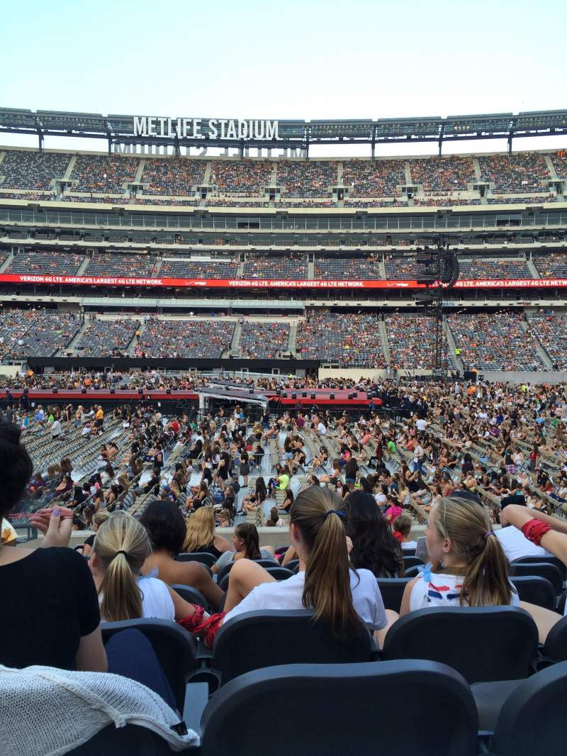 Metlife Stadium Section 139 Row 6 One Direction Tour