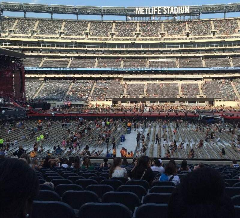 Seating view for MetLife Stadium Section 139 Row 24 Seat 17