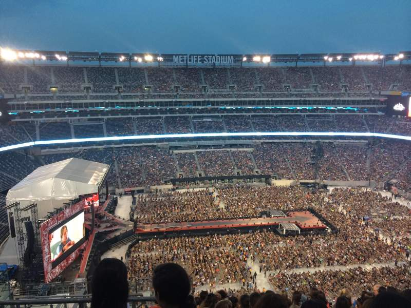 Seating view for MetLife Stadium Section 340 Row 15 Seat 21-22