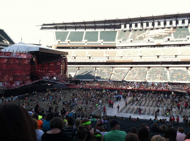 Seating view for Lincoln Financial Field Section 101 Row 29