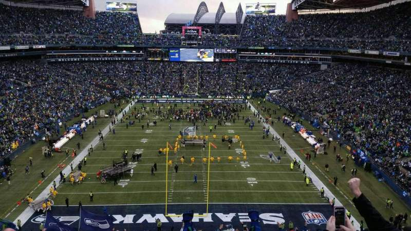 Seating view for CenturyLink Field Section 147 Row kk Seat 28