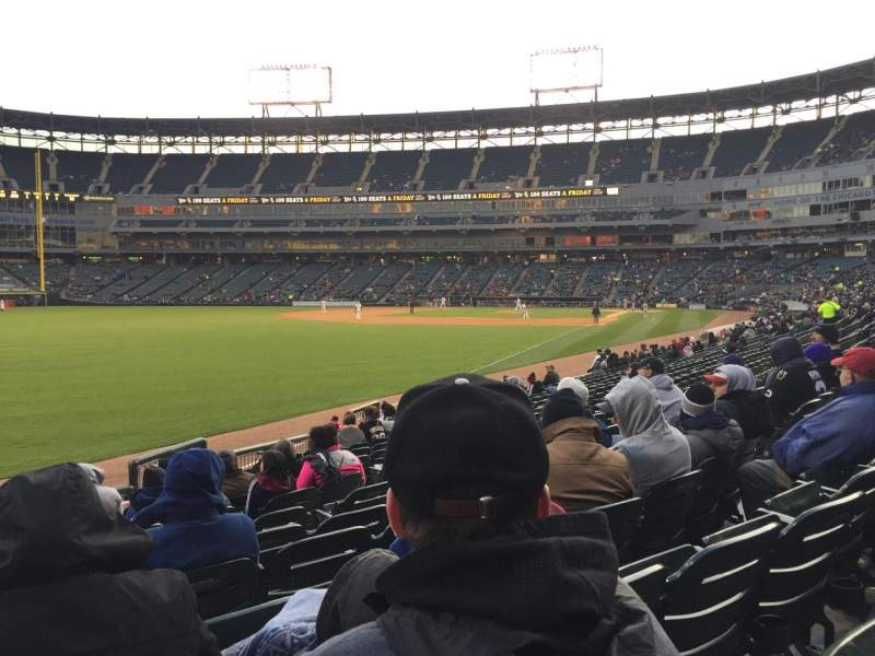 Seating view for Guaranteed Rate Field Section 154 Row 14 Seat 10