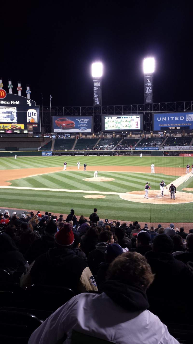 Seating view for U.S. Cellular Field Section Gold Box Row 1 Seat 2,3