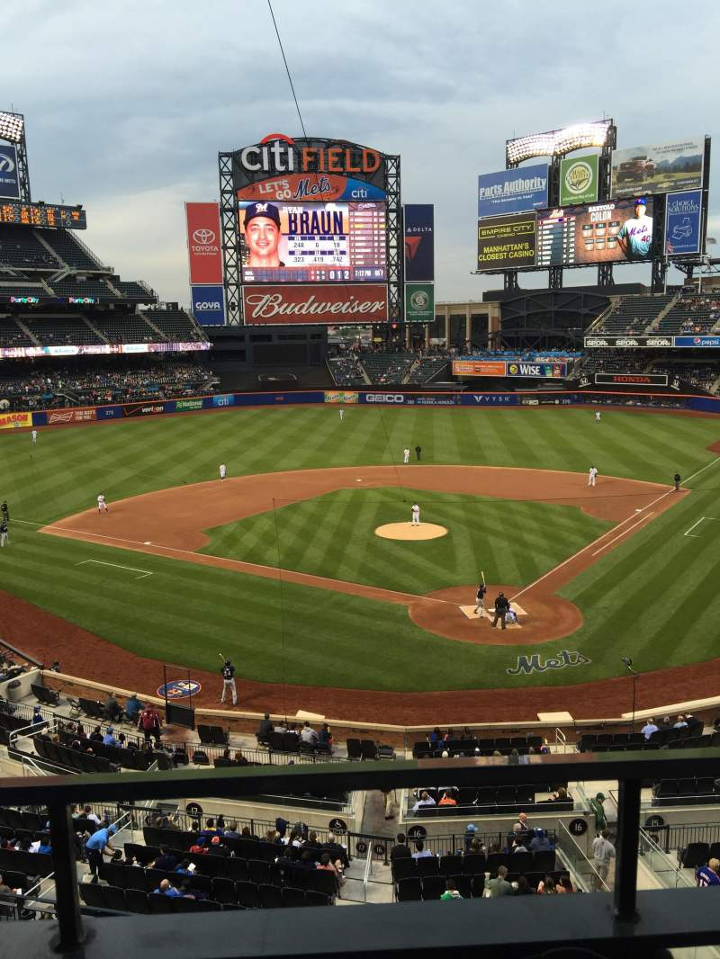 Seating view for Citi Field Section 321 Row 1 Seat 5