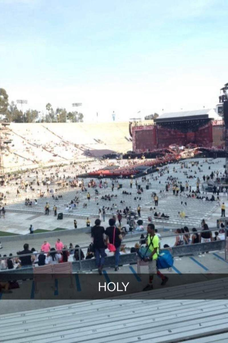 Seating view for Rose Bowl Section 14-L Row 40 Seat 12