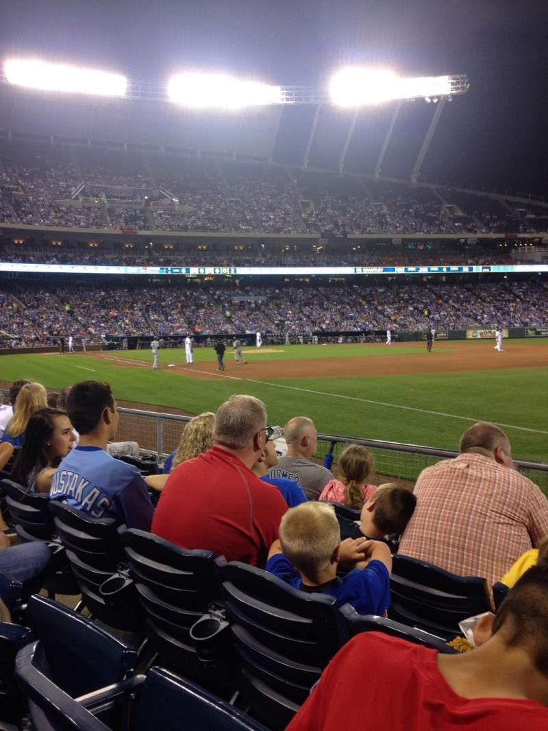 Seating view for Kauffman Stadium Section 142 Row f Seat 7