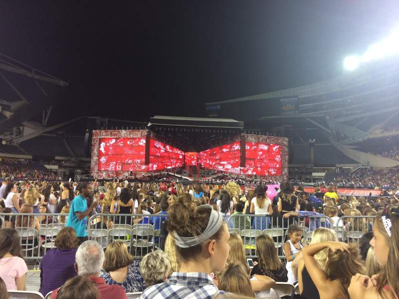 Seating view for Soldier Field Section D4 Row 6 Seat 16, 17