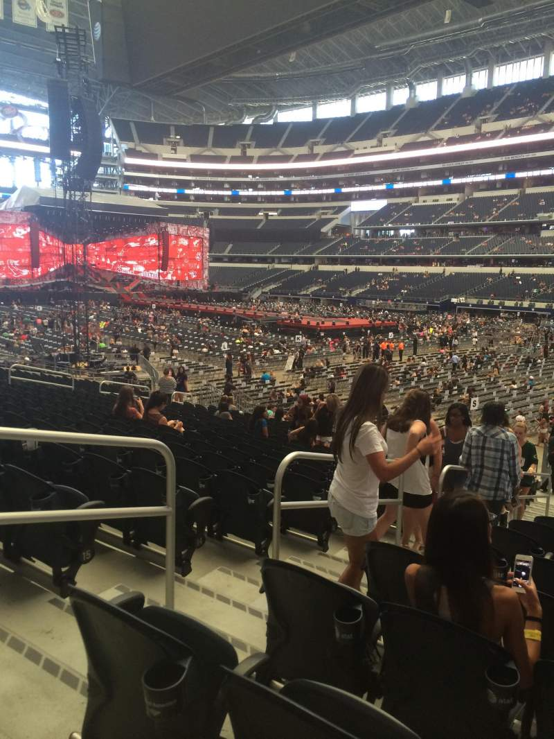 Seating view for AT&T Stadium Section 127 Row 18 Seat 27
