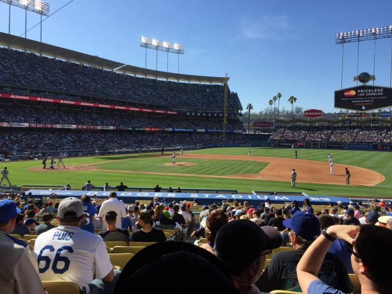 Seating view for Dodger Stadium Section 22FD Row V Seat 1