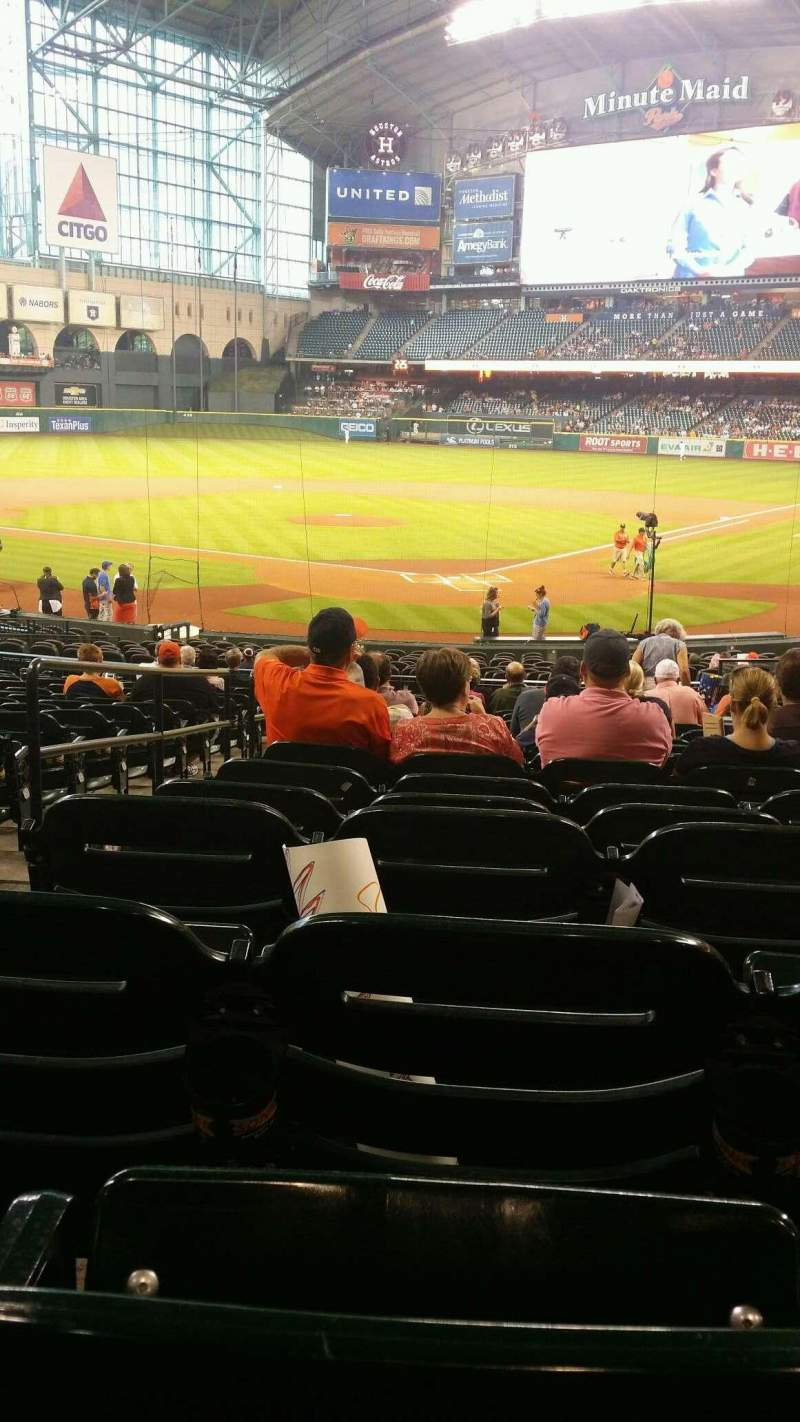 Seating view for Minute Maid Park Section 118 Row 30 Seat 17