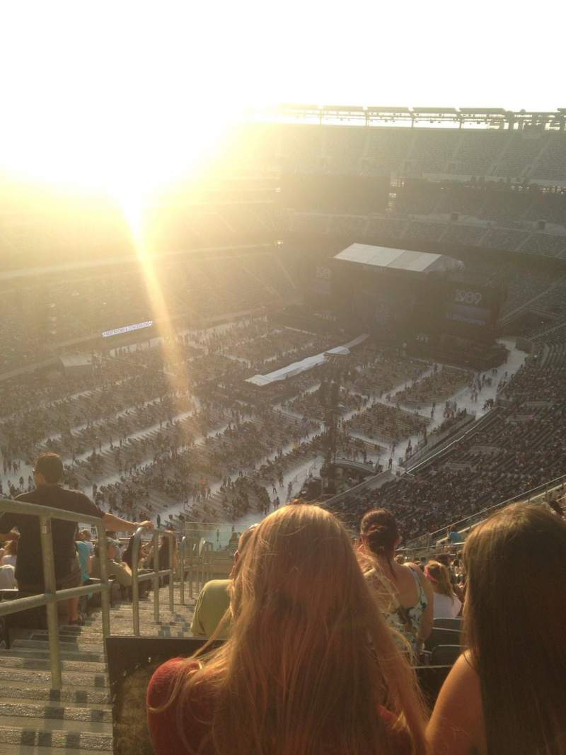 Seating view for MetLife Stadium Section 320 Row 24 Seat 39