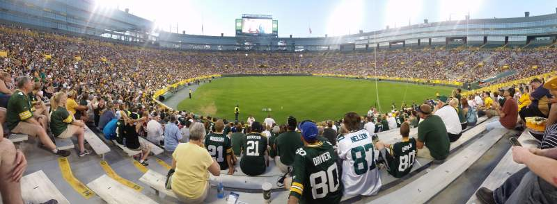 Seating view for Lambeau Field Section 136 Row 16 Seat 4