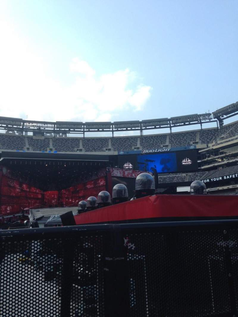 Seating view for MetLife Stadium Section 9 Row 31 Seat 41