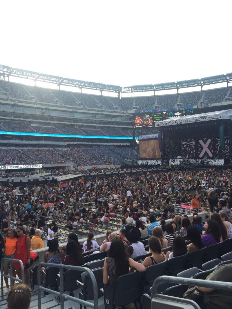 Seating view for MetLife Stadium Section 117 Row 9 Seat 2