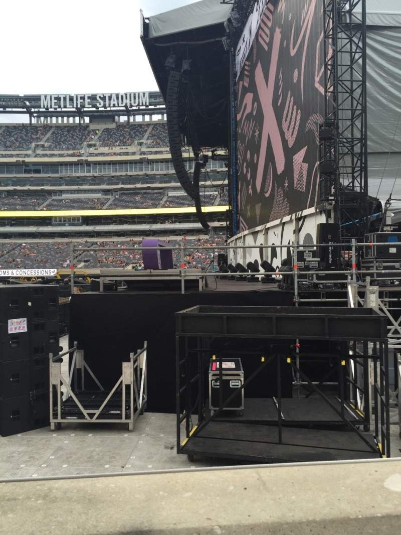 Seating view for MetLife Stadium Section 110 Row 1 Seat 4