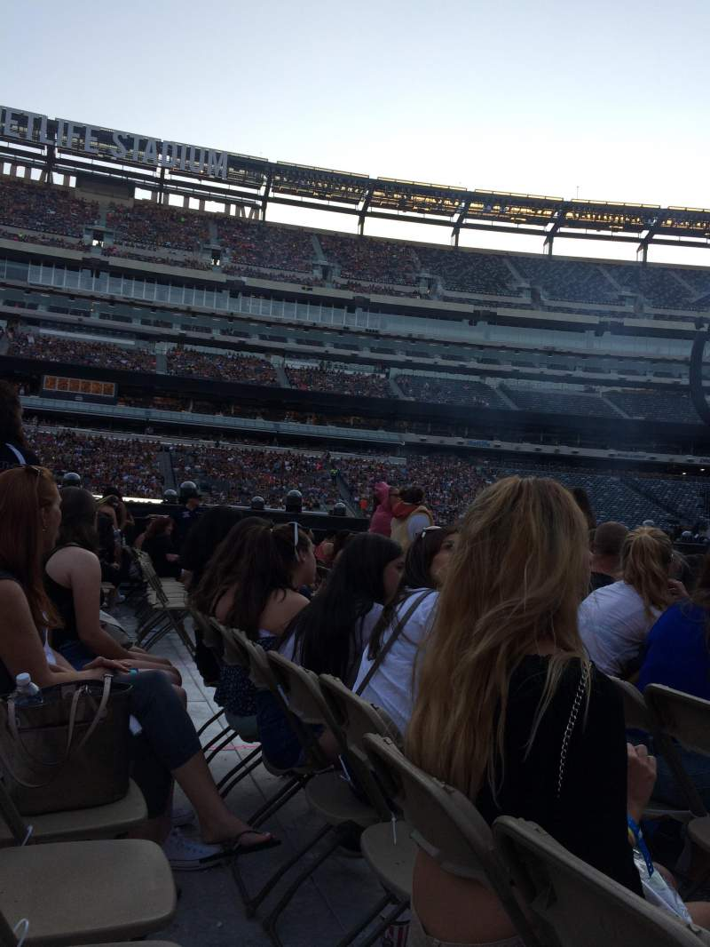 Seating view for MetLife Stadium Section 2 Row 32 Seat 21
