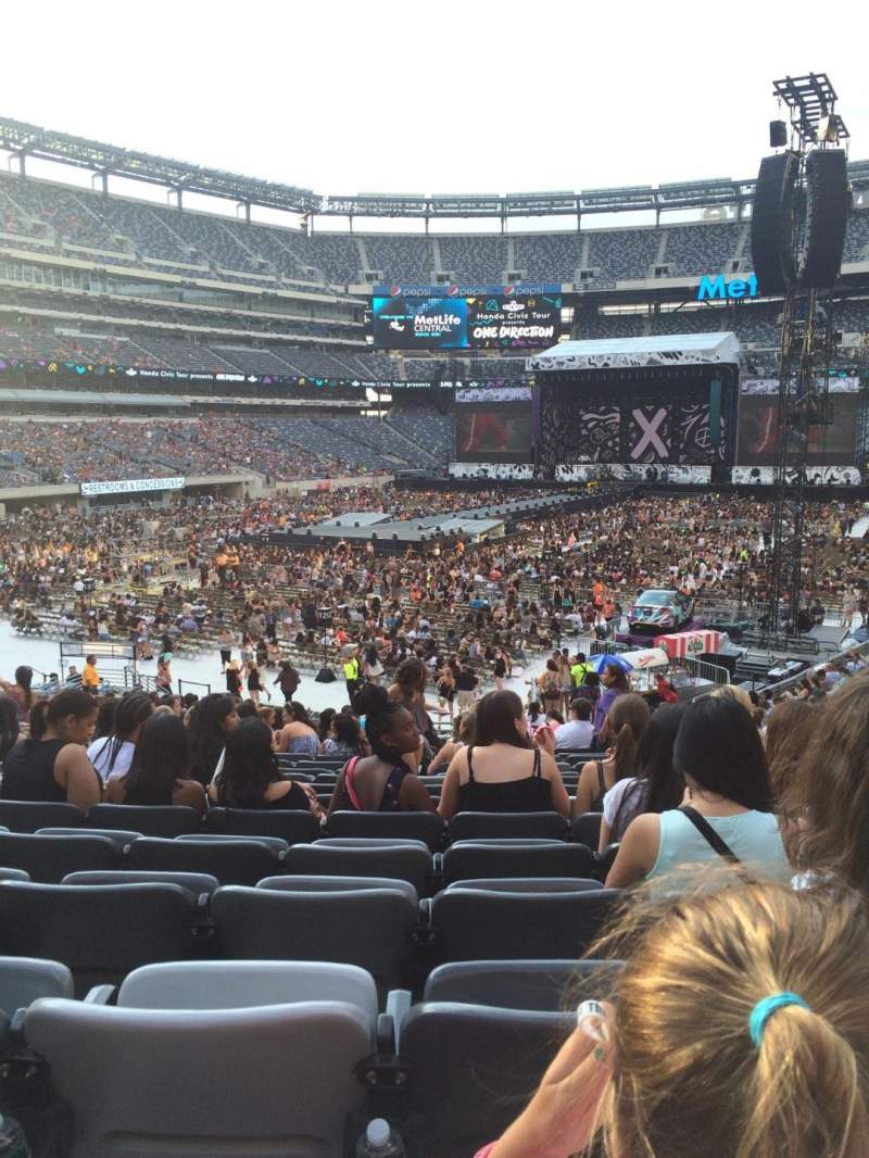 Seating view for MetLife Stadium Section 123 Row 27 Seat 3