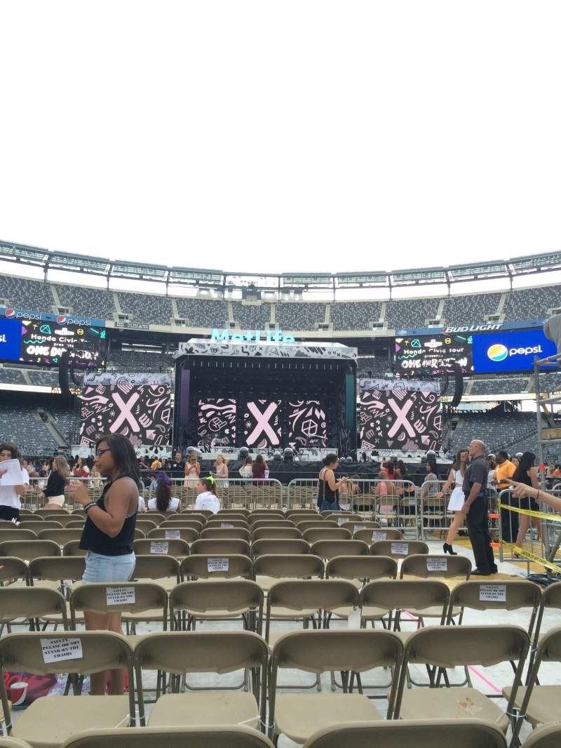 Seating view for MetLife Stadium Section 14 Row 11 Seat 7