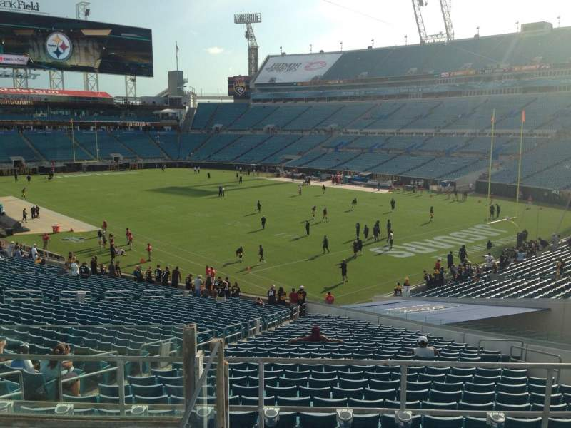Seating view for EverBank Field Section 226 Row F Seat 11
