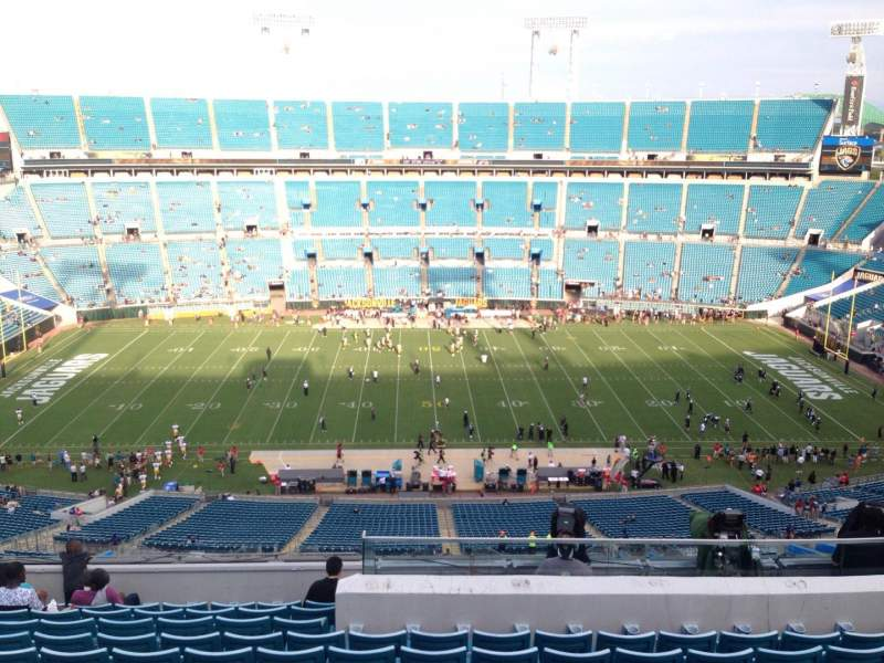 Seating view for EverBank Field Section 410 Row M Seat 24