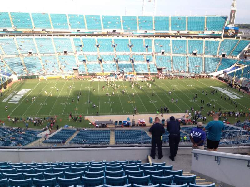 Seating view for EverBank Field Section 410 Row M Seat 26