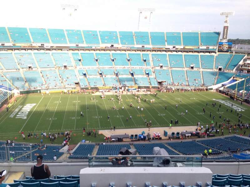 Seating view for EverBank Field Section 411 Row L Seat 11