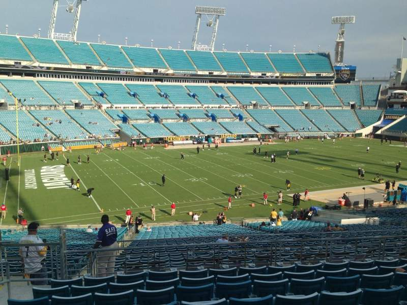 Seating view for EverBank Field Section 412 Row L Seat 5
