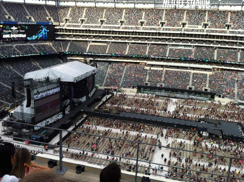Seating view for MetLife Stadium Section 338 Row 4 Seat 19