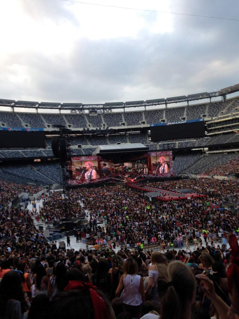 Seating view for MetLife Stadium Section 129 Row 42