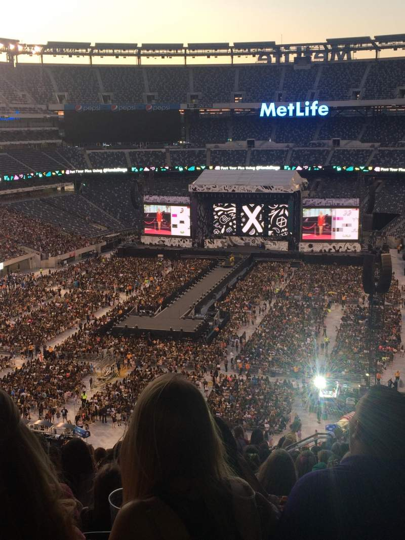 Seating view for MetLife Stadium Section 224b Row 18 Seat 11