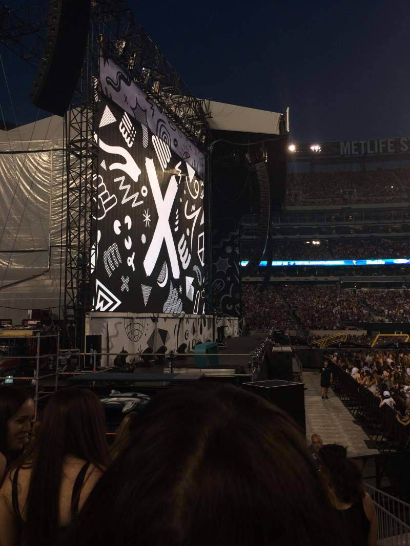 Seating view for Metlife Stadium Section 142 Row 5 Seat 23,24,25
