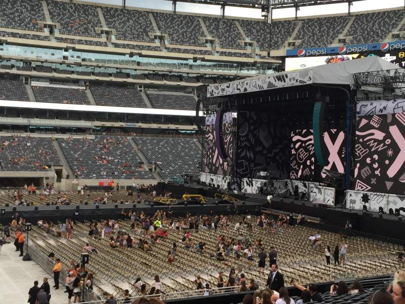 Seating view for MetLife Stadium Section 113 Row 20 Seat 28, 29