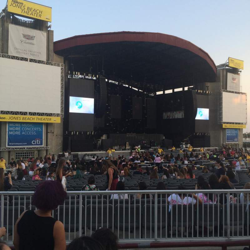 Seating view for Jones Beach Theater Section 15 Row D Seat 1