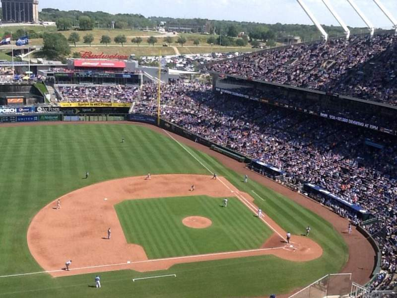 Seating view for Kauffman Stadium Section 412 Row NN Seat 5