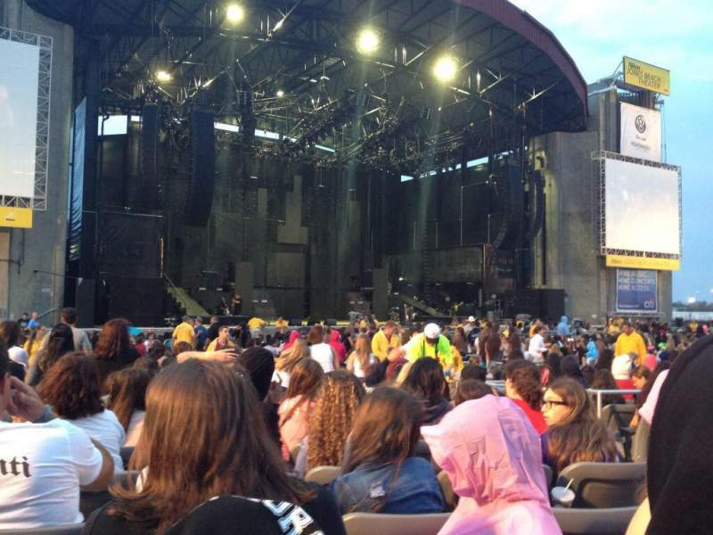 Seating view for Jones Beach Theater Section H Row OO Seat 4
