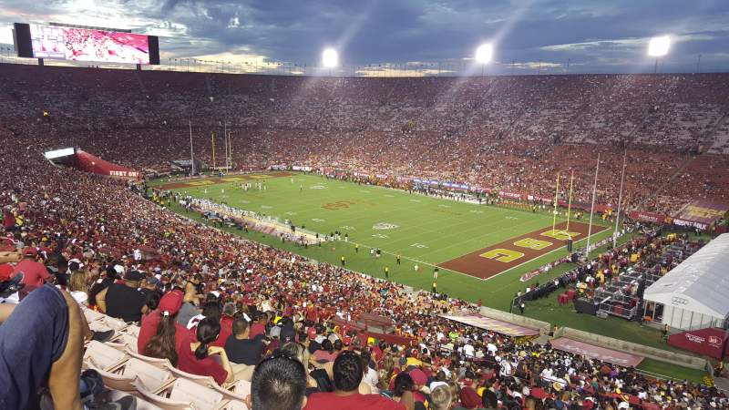 Seating view for Los Angeles Memorial Coliseum Section 2L Row 75 Seat 18