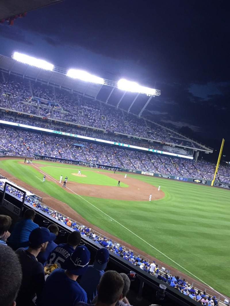 Seating view for Kauffman Stadium Section 325 Row D Seat 10
