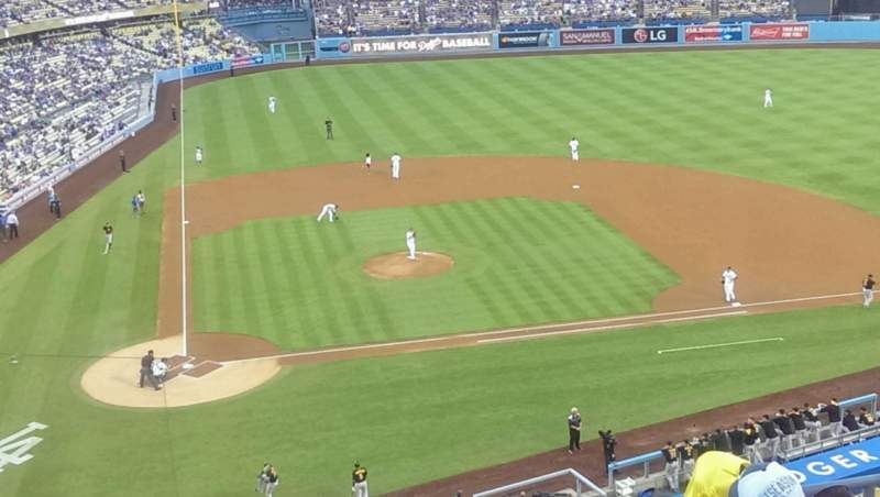 Seating view for Dodger Stadium Section 8 Row f Seat 13