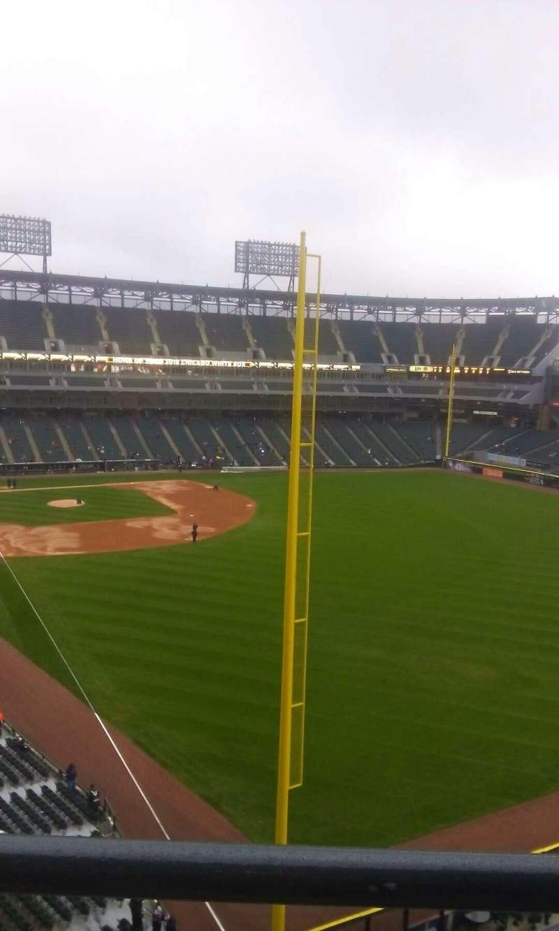 Seating view for U.S. Cellular Field Section 507 Row 1 Seat 8