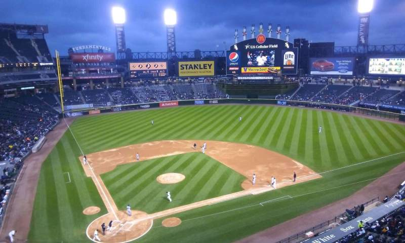 Seating view for Guaranteed Rate Field Section 528 Row 2 Seat 8
