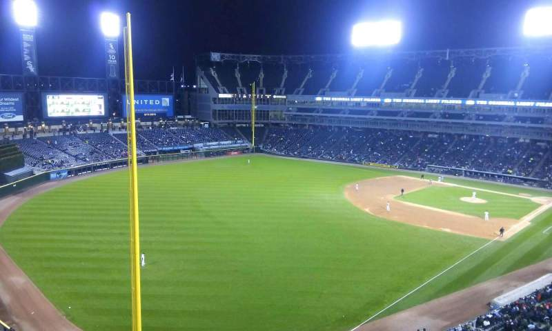 Seating view for Guaranteed Rate Field Section 554 Row 1 Seat 8