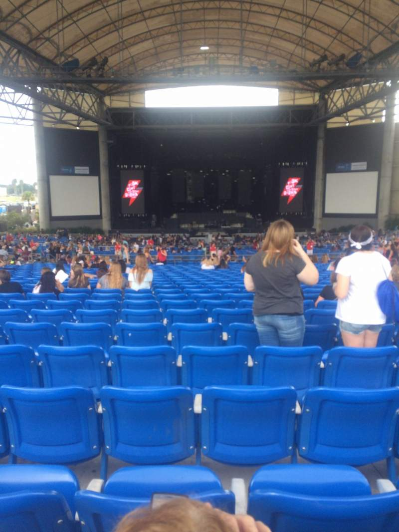 Seating view for MidFlorida Credit Union Amphitheatre Section 14 Row BB Seat 20