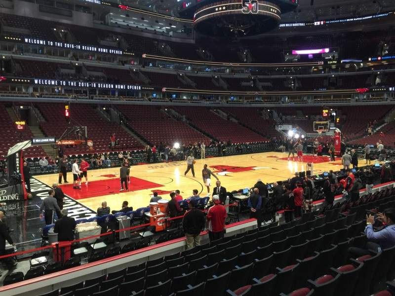 United Center, section: 102, row: 10, seat: 19