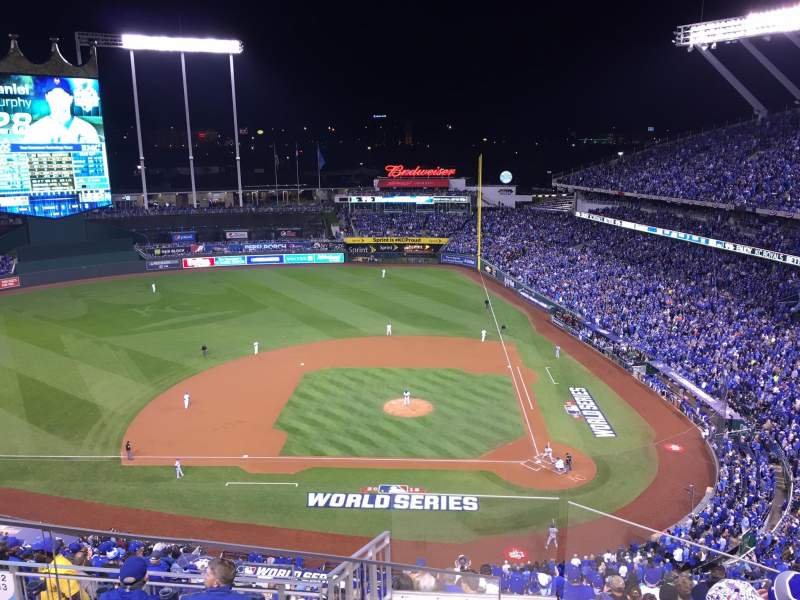 Seating view for Kauffman Stadium Section 413 Row V Seat 2