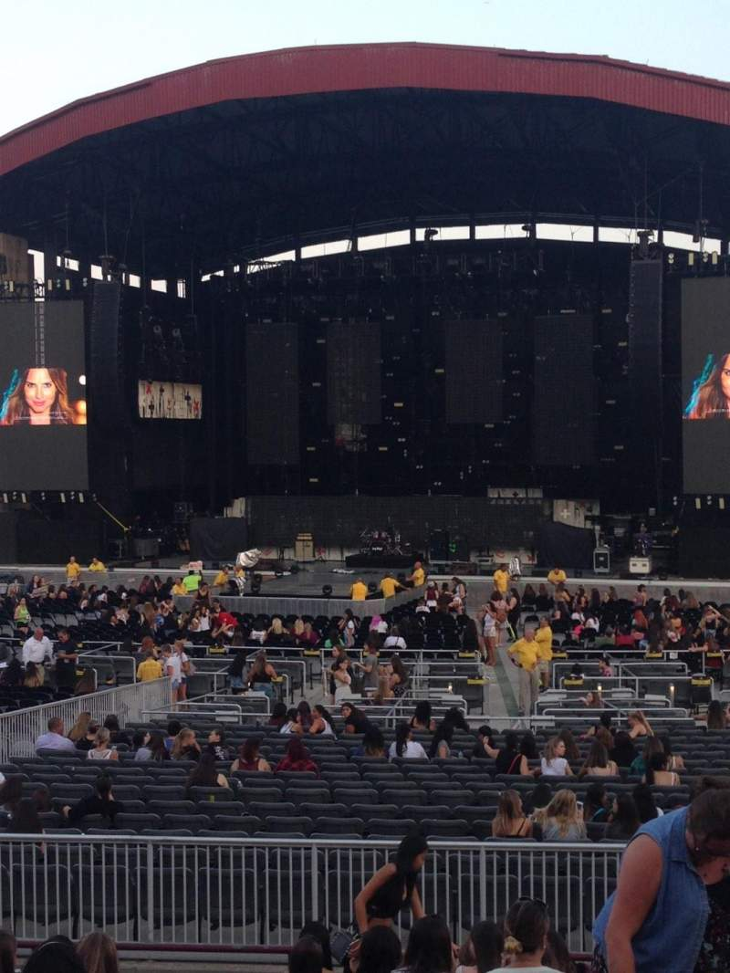 Seating view for Jones Beach Theater Section 6R