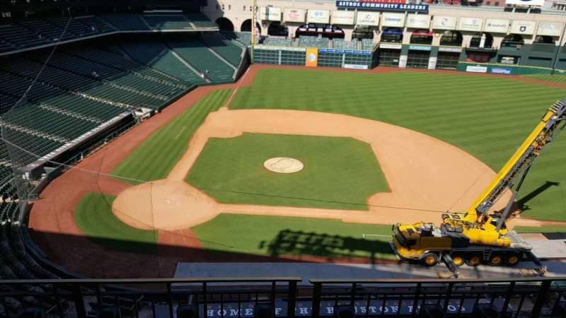 Seating view for Minute Maid Park Section 324 Row 3 Seat 13,14,15