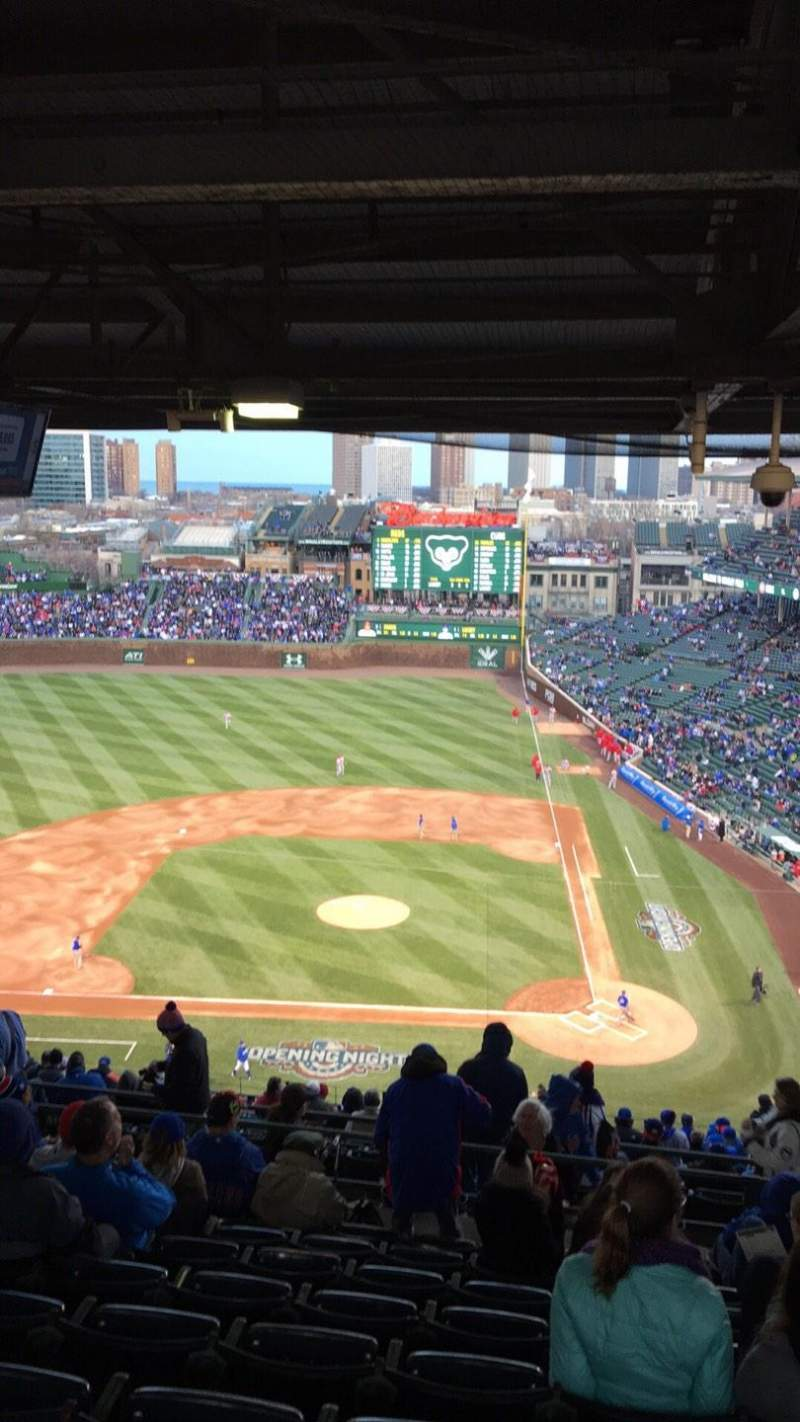 Seating view for Wrigley Field Section 413L Row 9 Seat 9