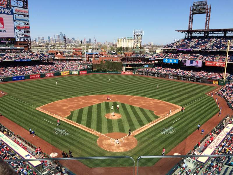 Seating view for Citizens Bank Park Section 321 Row 2 Seat 7
